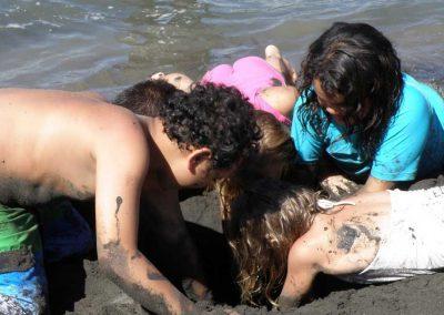 Kids digging for water, Raglan